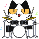 ドラムを叩く猫の無料イラスト